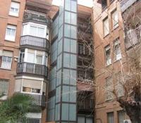 ascensor exterior columna