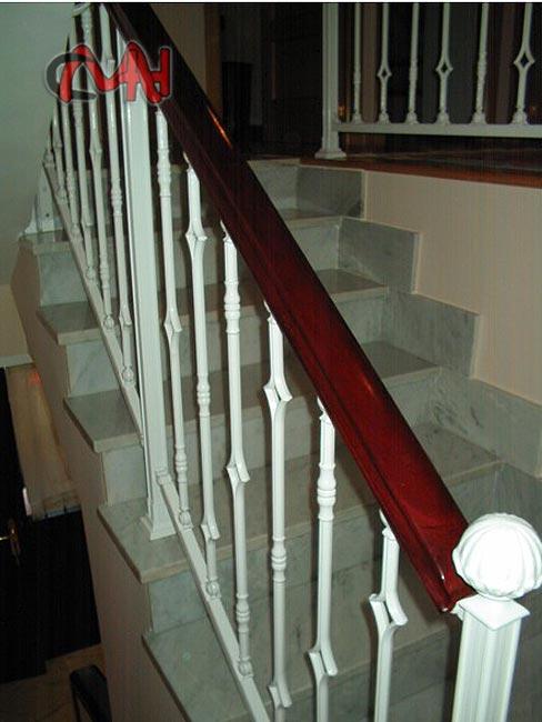 Barandillas acero forjado y balcones cerrajer as en madrid for Escaleras forja