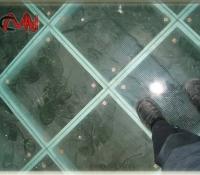 Lucernario pisable suelo de cristal