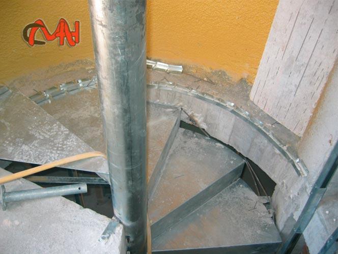 Escaleras caracol de acero galvanizado cerrajer as en madrid - Estructura caracol ...
