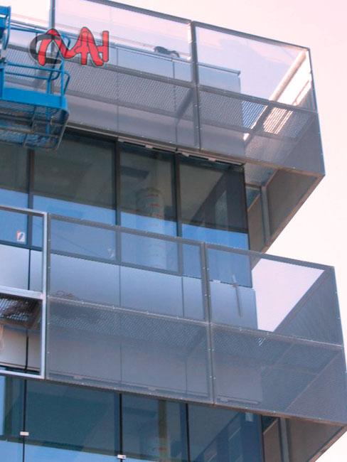 fachada estructuras metálicas cristal