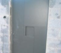 puerta acero