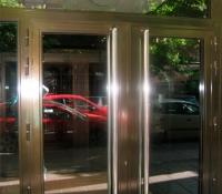 Puertas aluminio abatibles