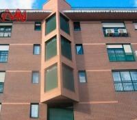 Rejillas ventilación terrazas edificio