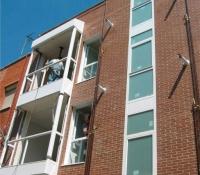 cerramientos terrazas en aluminio en fachada