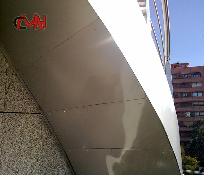 Escalera exterior helicoidal