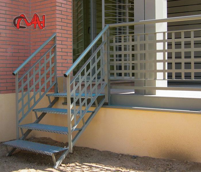 Escalera exterior de acero